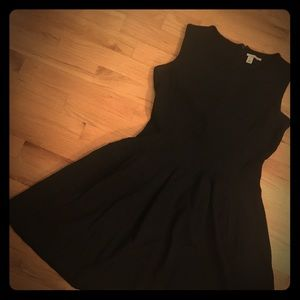 Halogen Rubbed black dress size small